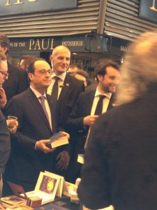 F Hollande Salon Paris